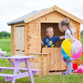M500 G wooden playhouse inside