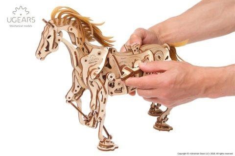 3D pusled hobuneUgears Horse Mechanoid Model Kit6 max 1000