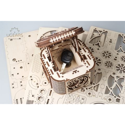 10869 ugears treasure box  dsc8844 copy