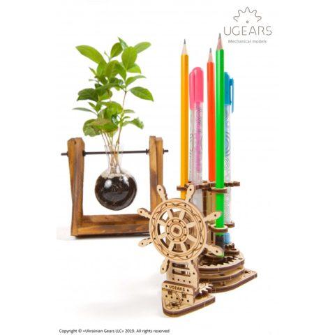 Ugears Wheel Organizer for pens pencils Mechanical model DSC6369 800x800