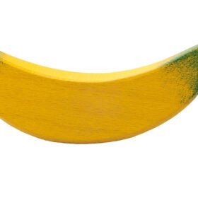 Puidust kast puuviljadega