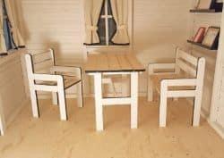 Puidust mööbel