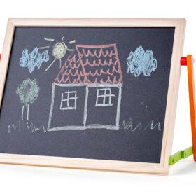 Laste puidust magnettahvel.
